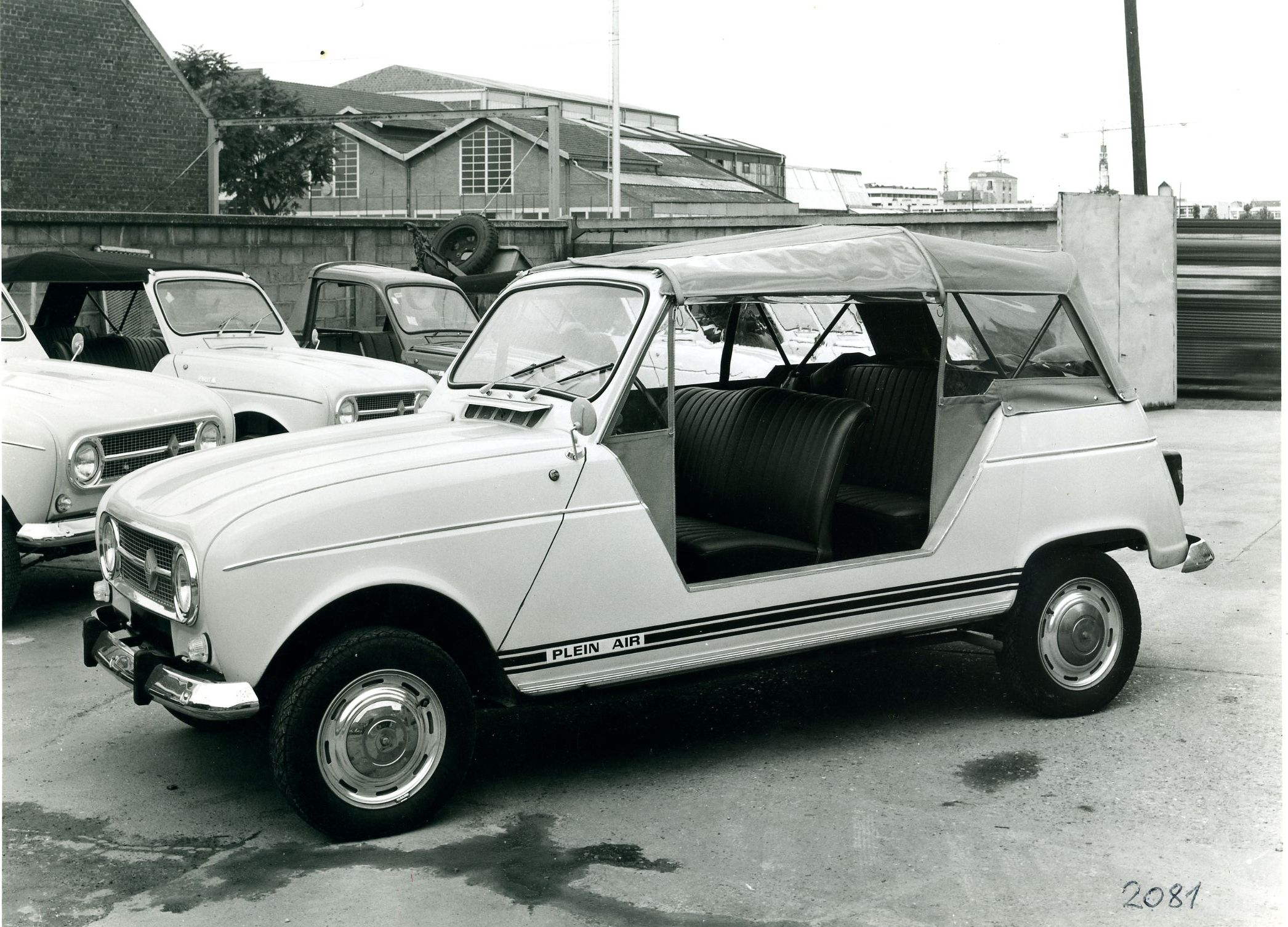 the renault 4 torpedo sinpar plein air i have never heard of it either. Black Bedroom Furniture Sets. Home Design Ideas